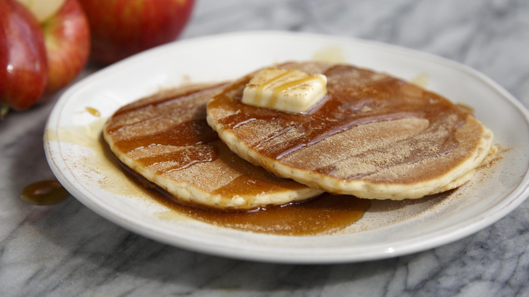apple_cinnamon_pancakes_2000x1125.jpg