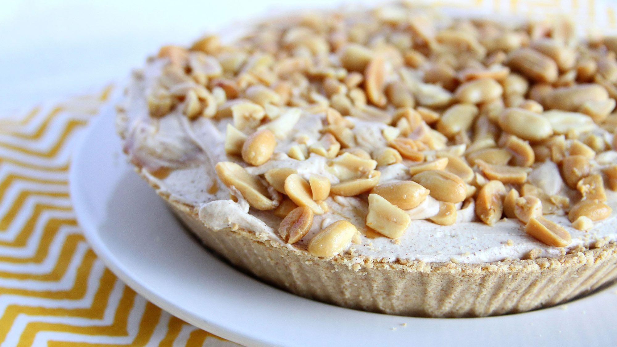 spiced-peanut-butter-caramel-pie-doughmesstic.jpg