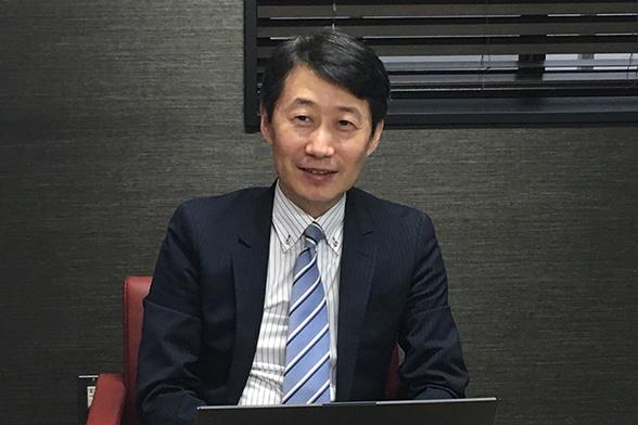 写真 : 京都大学大学院学研究科 人間健康科学系専攻 ビッグデータ医科学分野 教授 奥野 恭史 氏