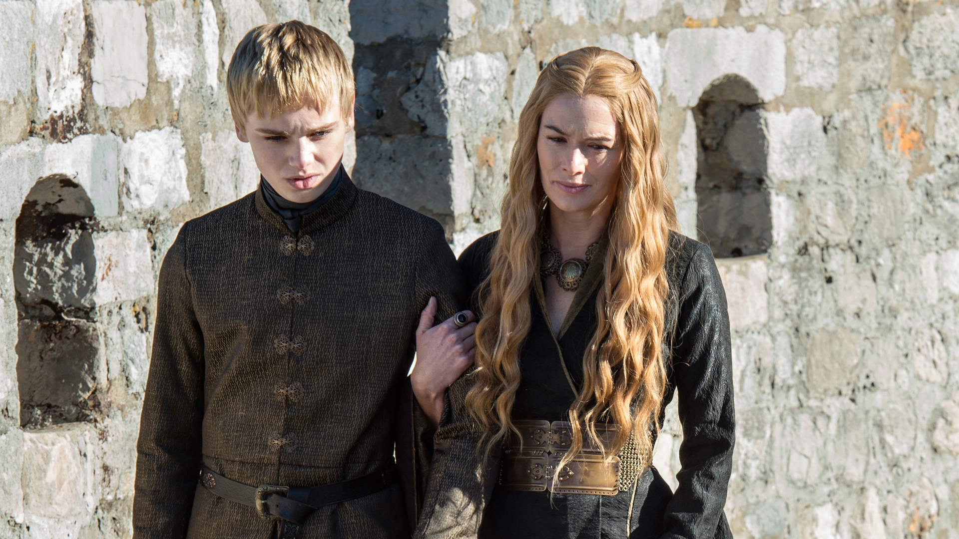 cersei-and-tommen-cersei-lannister-38426219-1920-1080.jpg