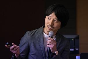 写真 : 富士通デザイン株式会社 未来構想・デザイングループ デザインディレクター / 一級建築士 田中 培仁