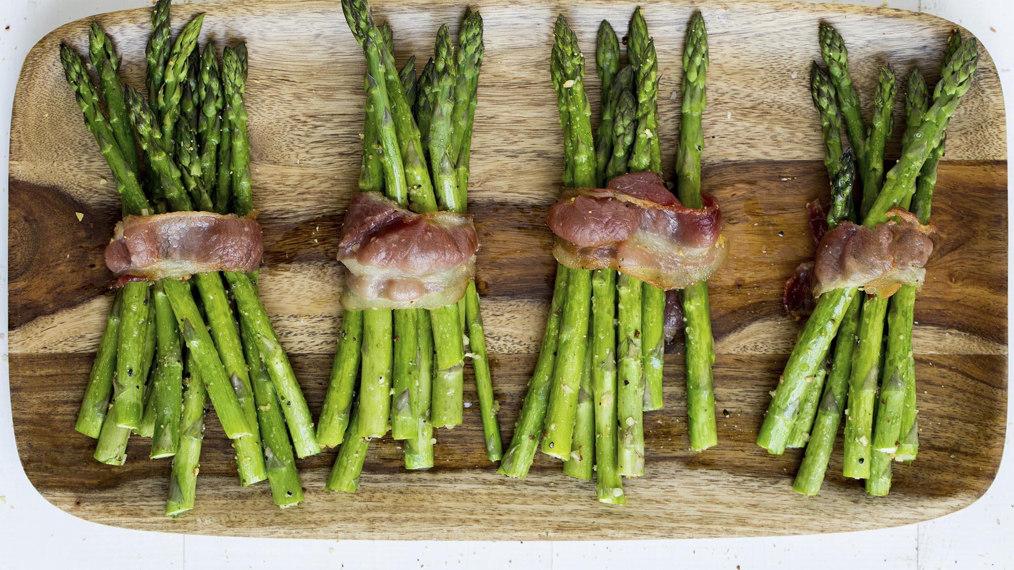 bacon_wrapped_roasted_asparagus_2000x1125.jpg