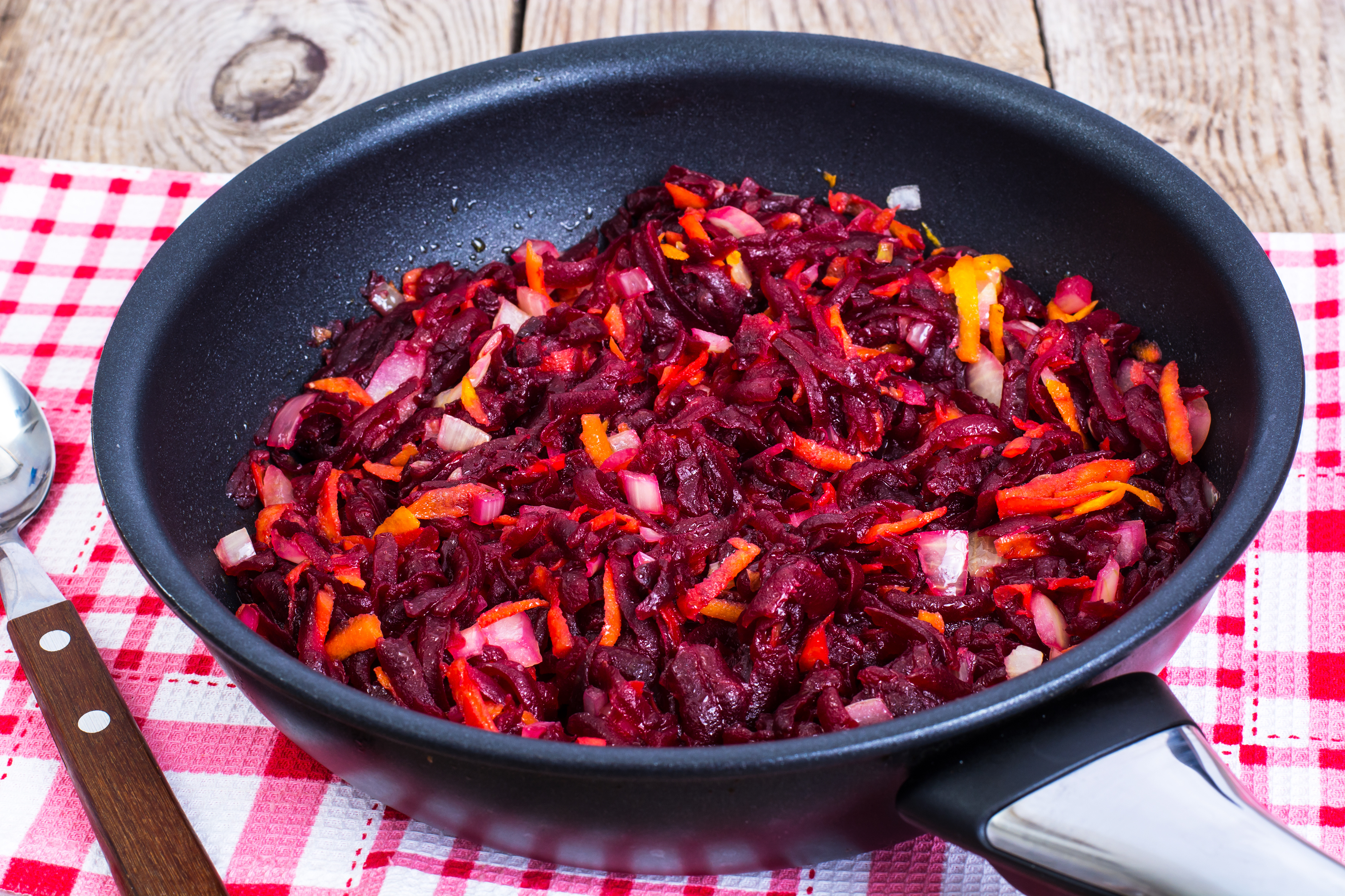 Beets, carrots, onions stewed with spices