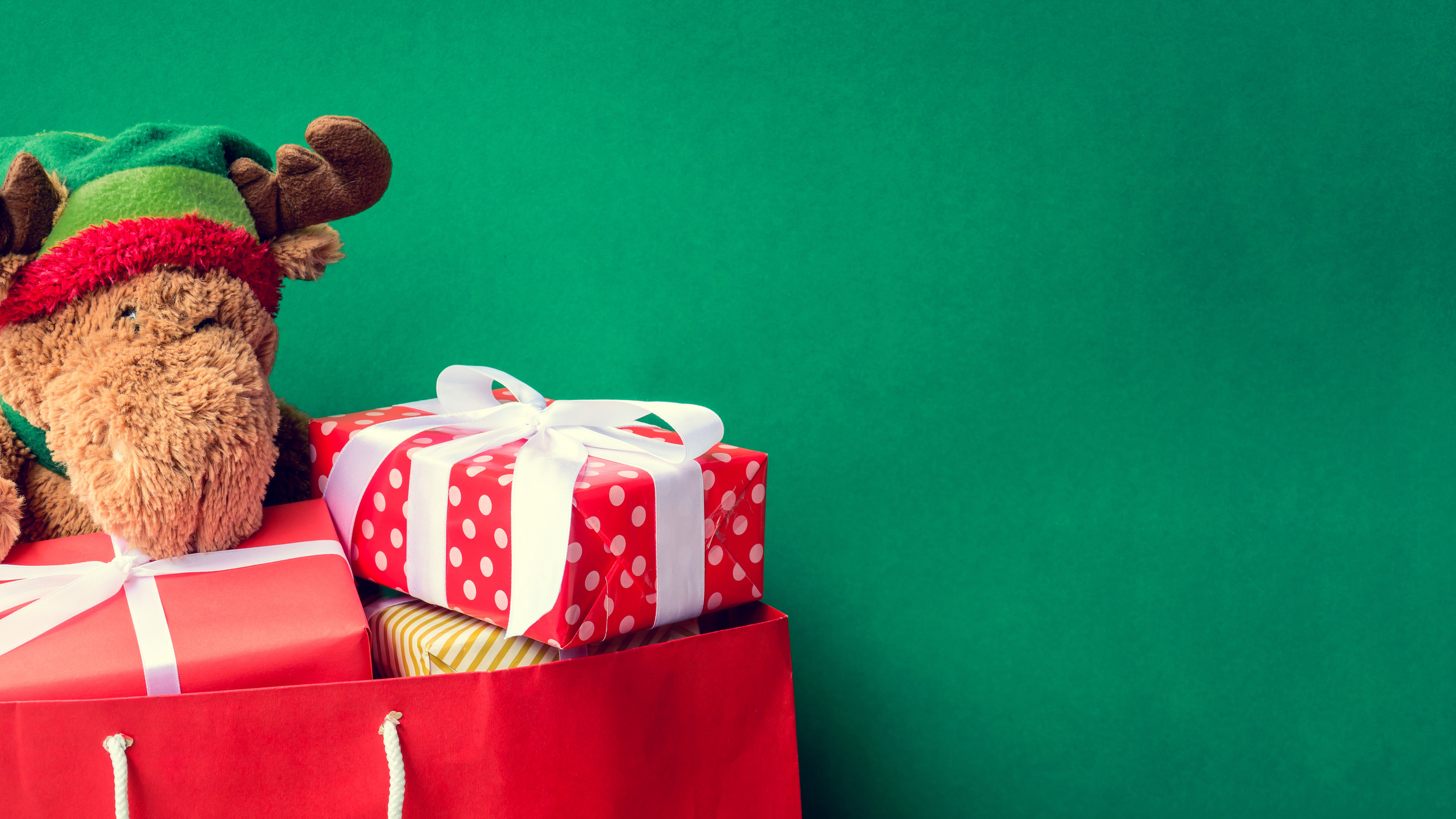 Seven Holiday Spending Mistakes to Avoid