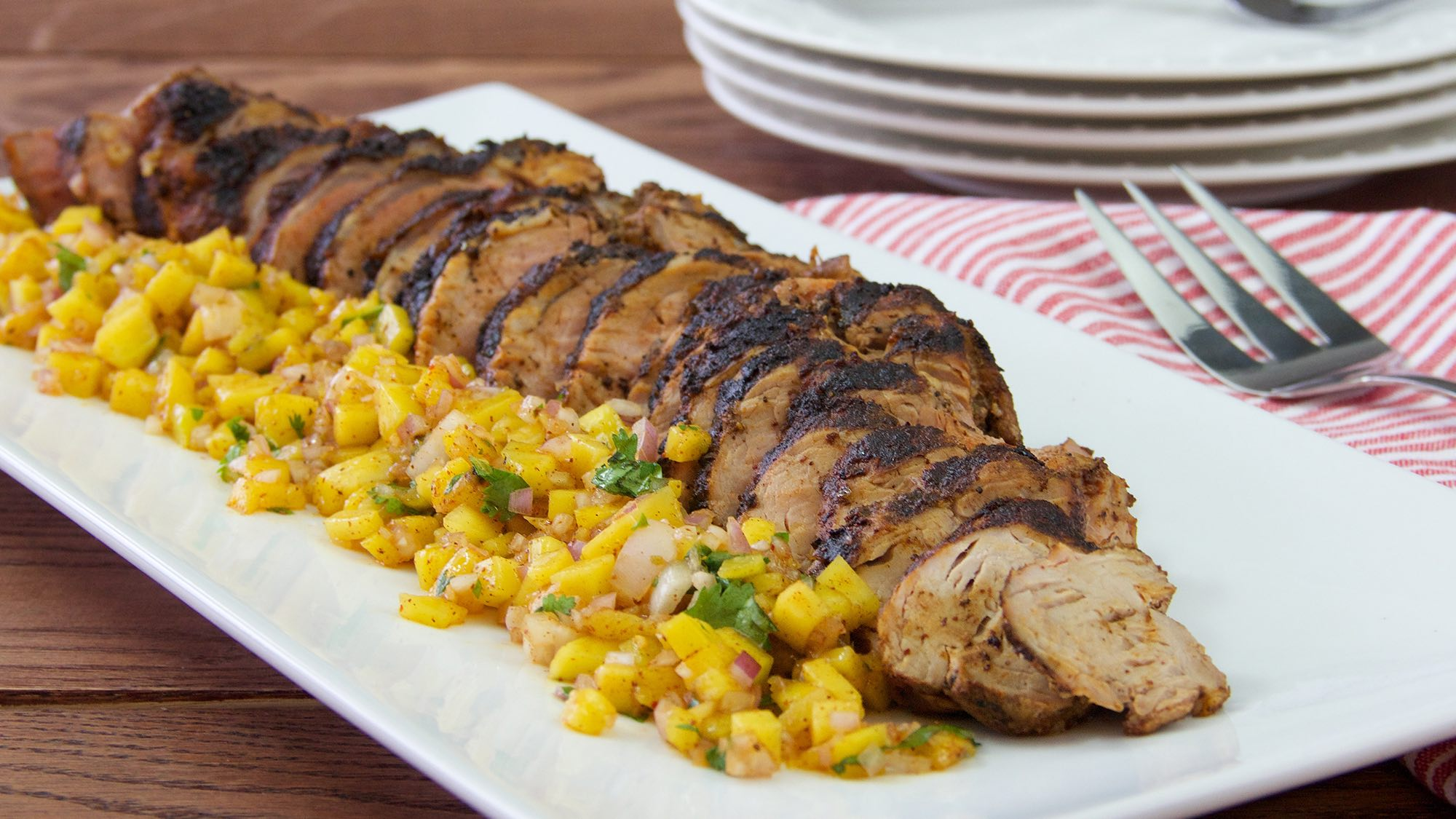 gluten-free-chili-rubbed-pork-with-mango-salsa.jpg