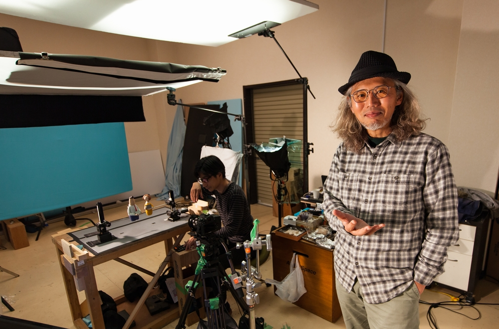 IMAGE OF MR. ITO AT HIS STUDIO