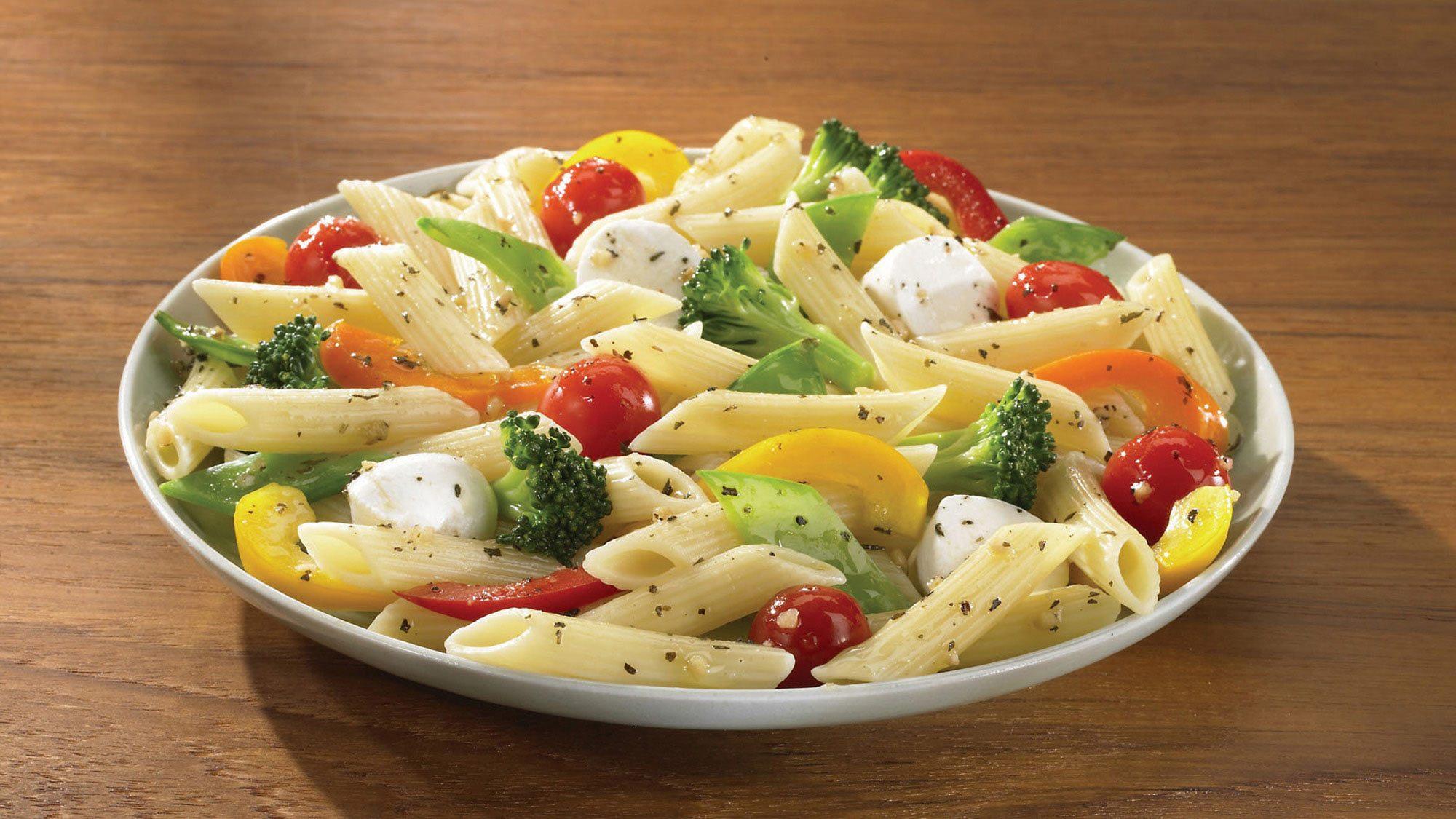 Pasta_con_Verduras_Ajo_Albahaca_y_Vinagre_Balsamico_Recipes_2000x1125.jpg