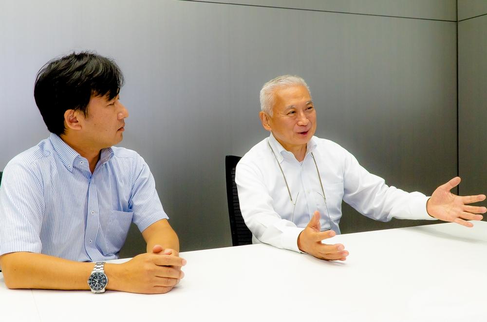 Hirozou Yoshitomi and Seiji Kamiya