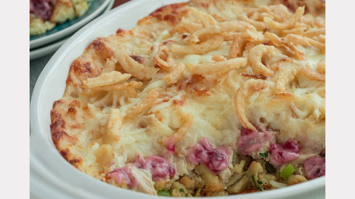 thanksgiving_leftover_turkey_casserole_1200.jpg
