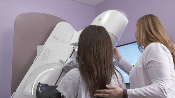 Senographe Pristina Technician and Patient Image