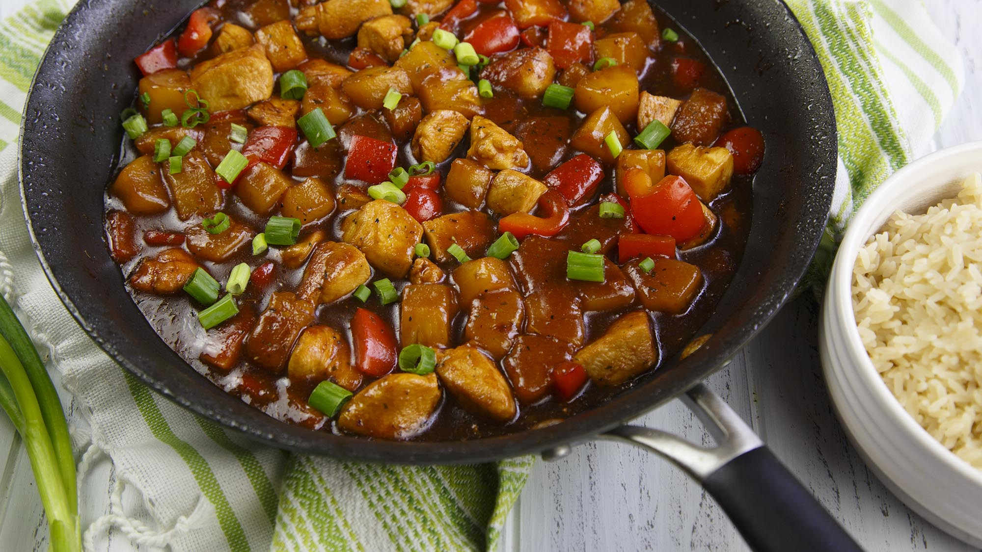 pineapple_chicken_stir_fry_2000x1125.jpg