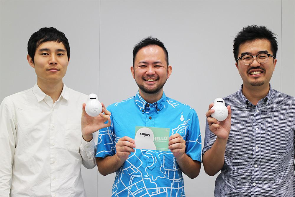 左から、デザインセンター 星野泰漢氏、衣斐氏、JellyWare株式会社 代表取締役 崔 熙元氏