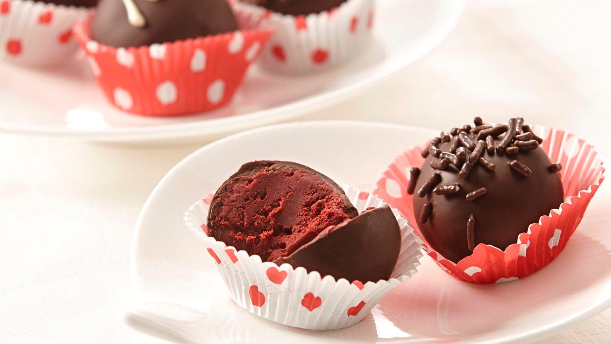 red-velvet-raspberry-truffles.jpg