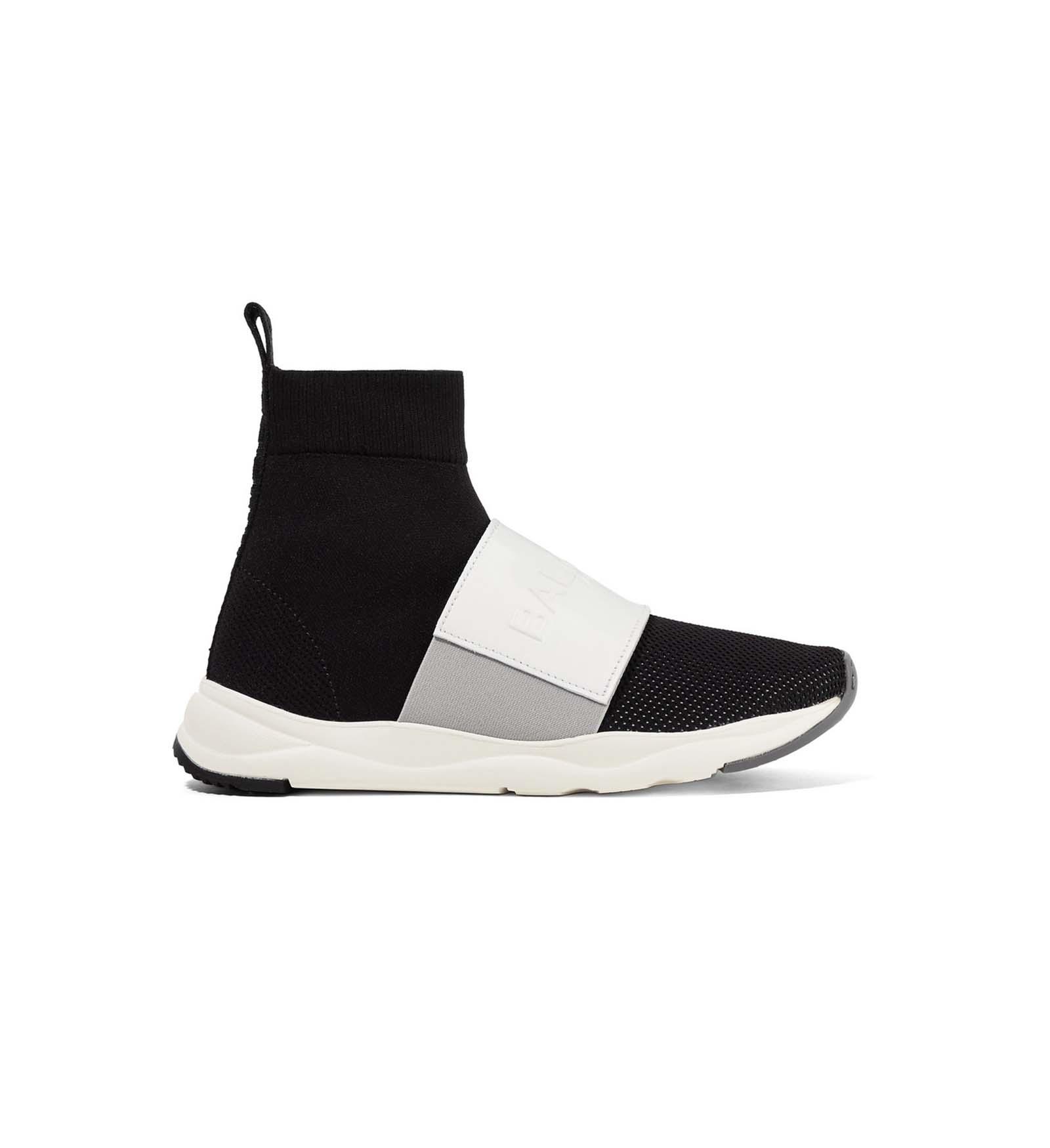 26.03.2018 Trend_Sneaker_NewsCred_1160x1740_5.jpg