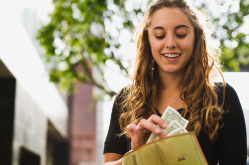 Seven tips on saving for college as a teen