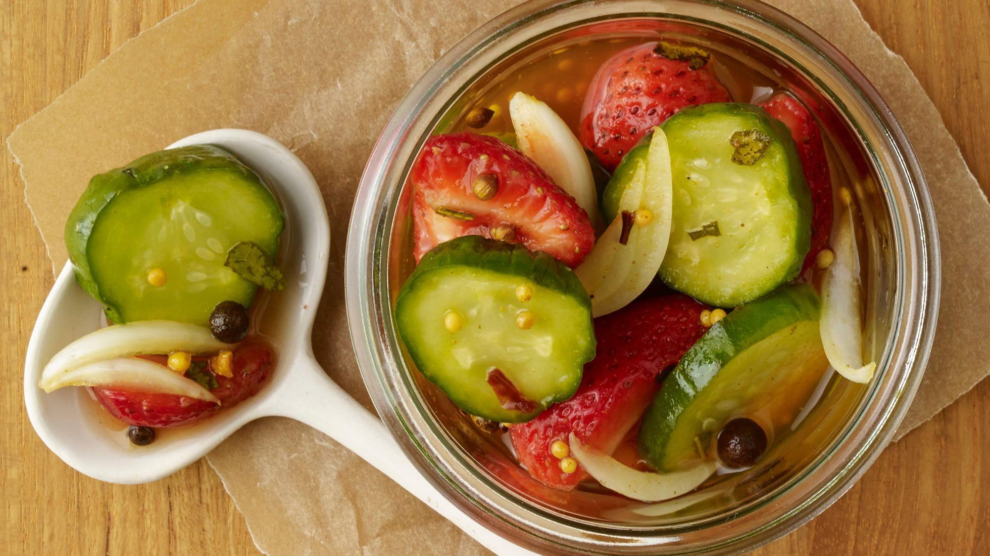 smoky-sweet-pickles-with-strawberries.jpg