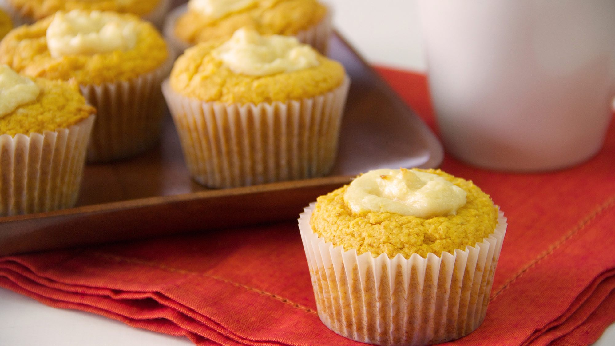 cream-cheese-stuffed-pumpkin-muffins.jpg