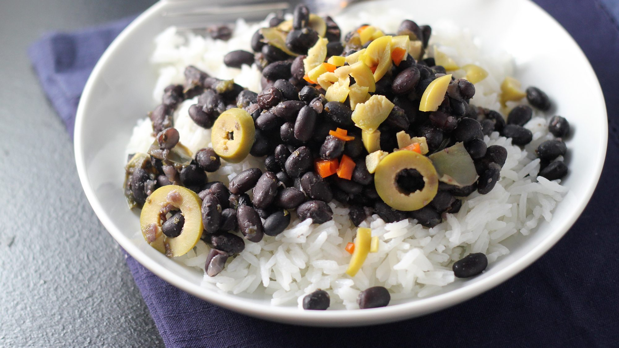 cuban-black-beans-eats-well-with-others.jpg