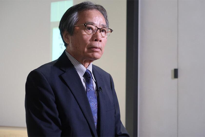 写真 : 放送大学学園理事長・九州大学名誉教授 有川 節夫教授