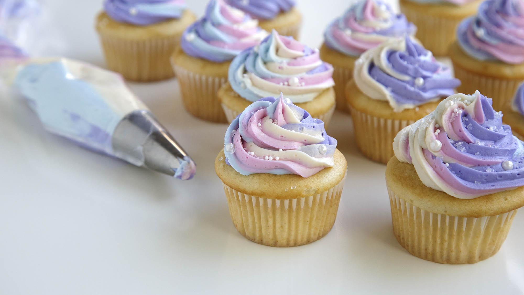Unicorn_Cupcakes_2000x1125.jpg