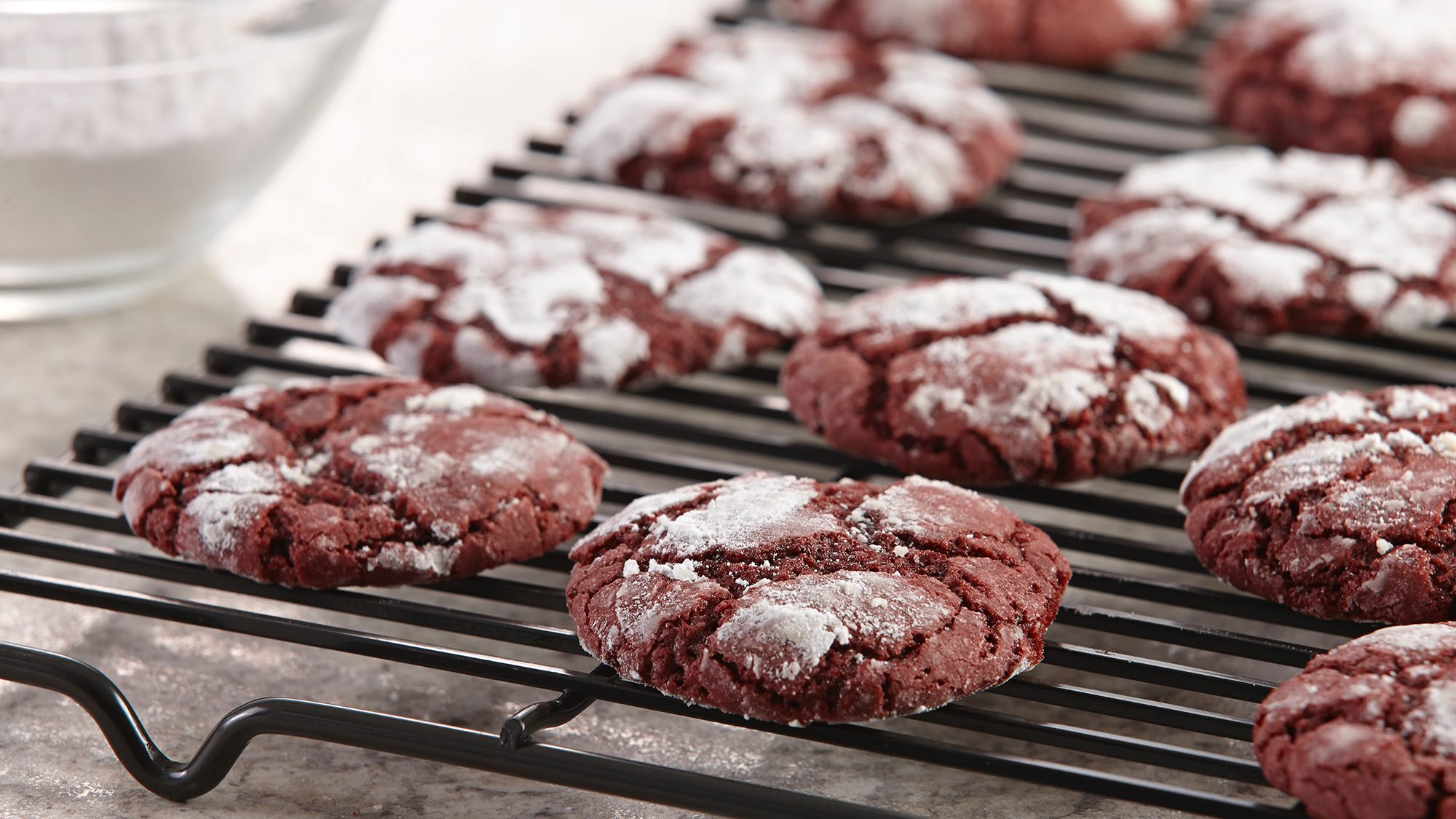 red-velvet-crinkle-cookies.jpg