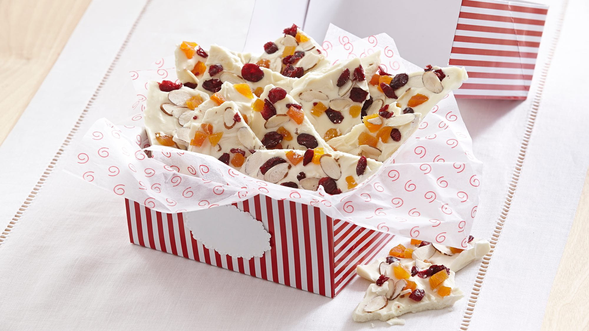 orange-white-chocolate-bark-with-cranberries-and-apricots.jpg