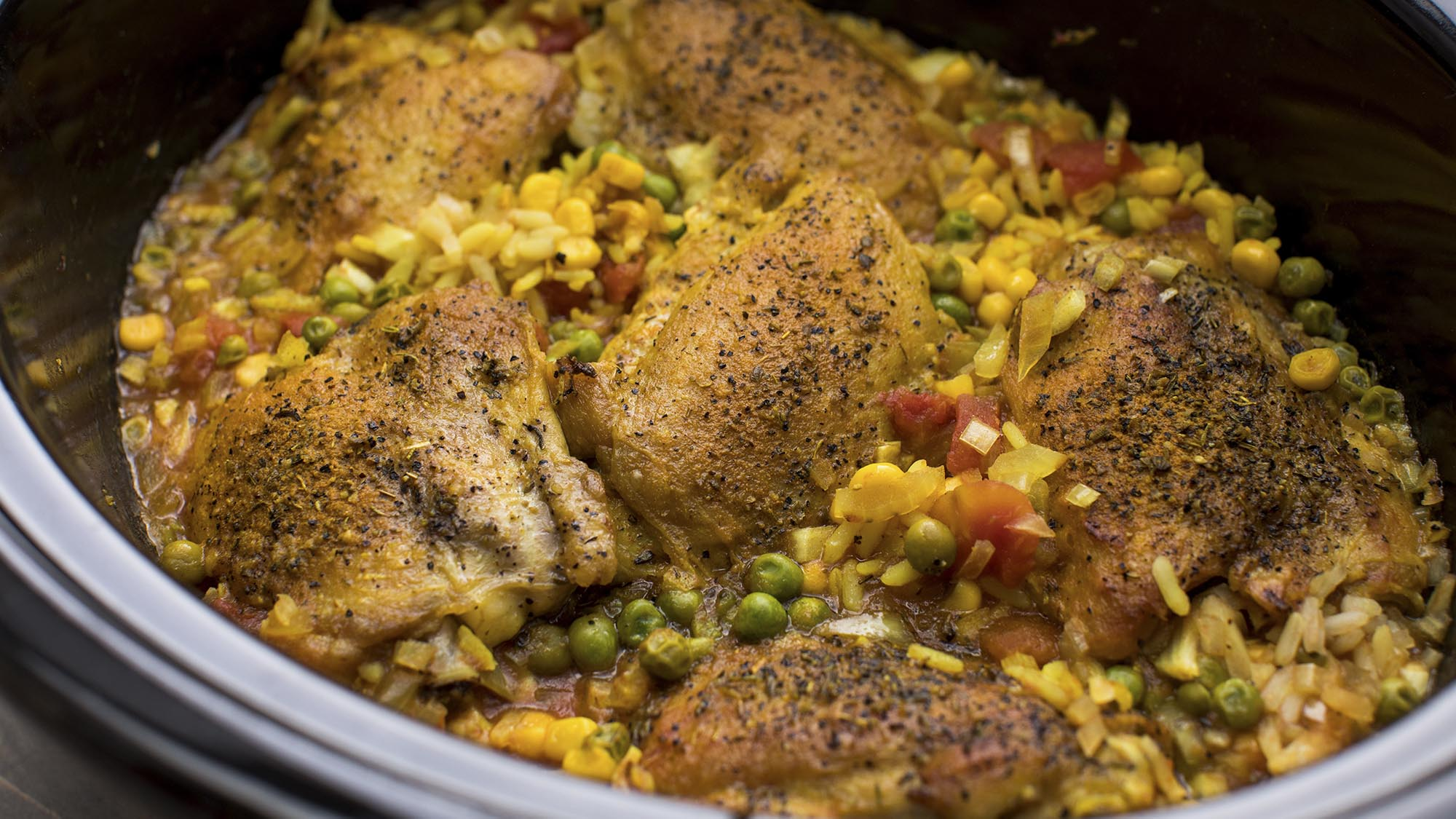 slow_cooker_brazilian_chicken_and_rice_2000x1125.jpg