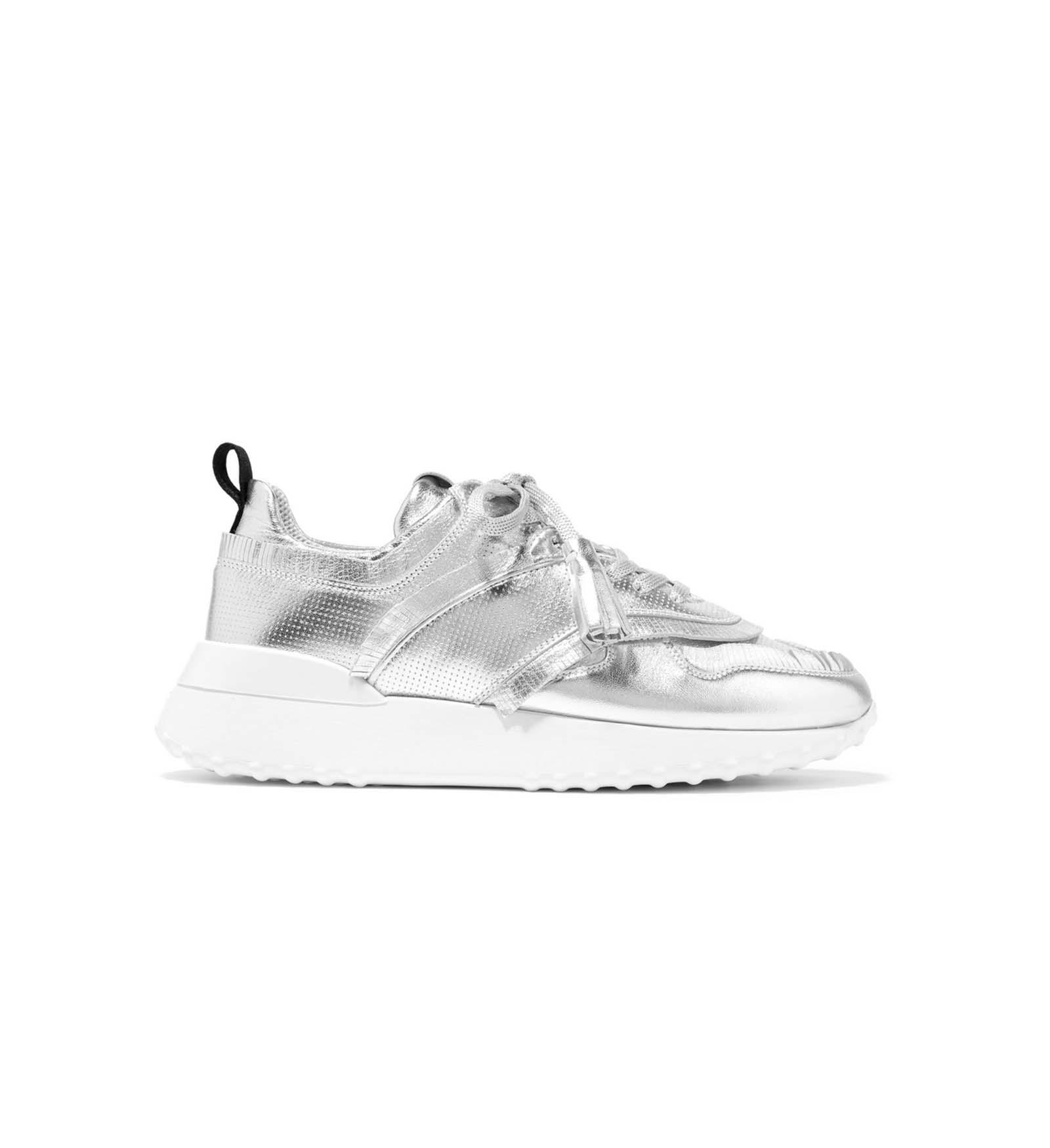 26.03.2018 Trend_Sneaker_NewsCred_1160x1740_4.jpg