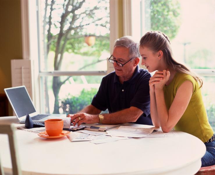 4 financial conversations you must have with your teen before college