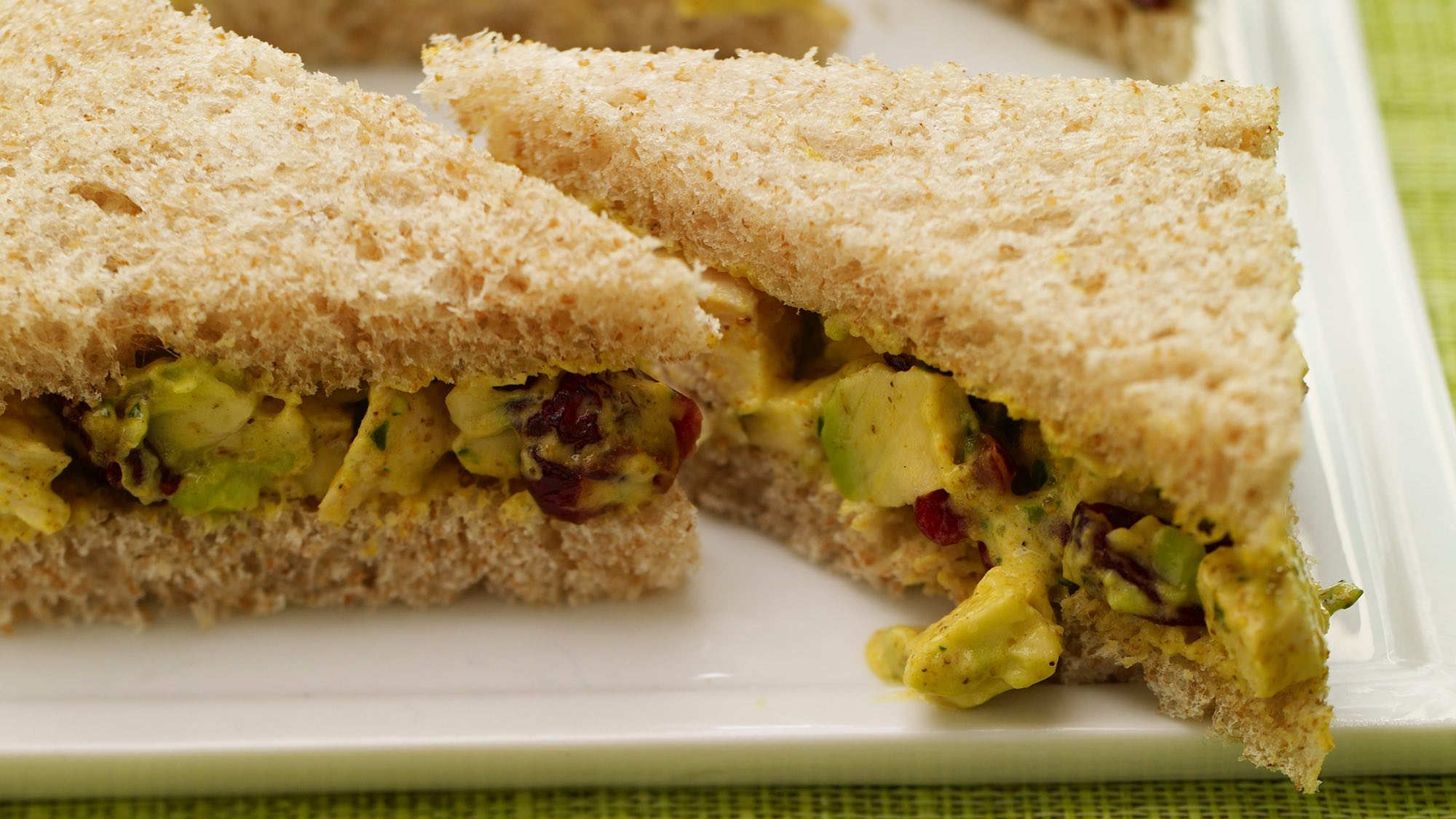 Avocado salad sandwich