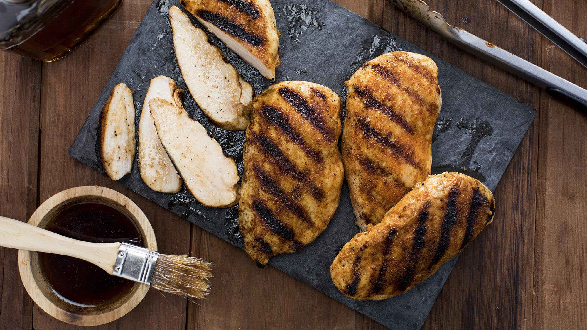 maple_bbq_grilled_chicken_breast_2000x1125.jpg