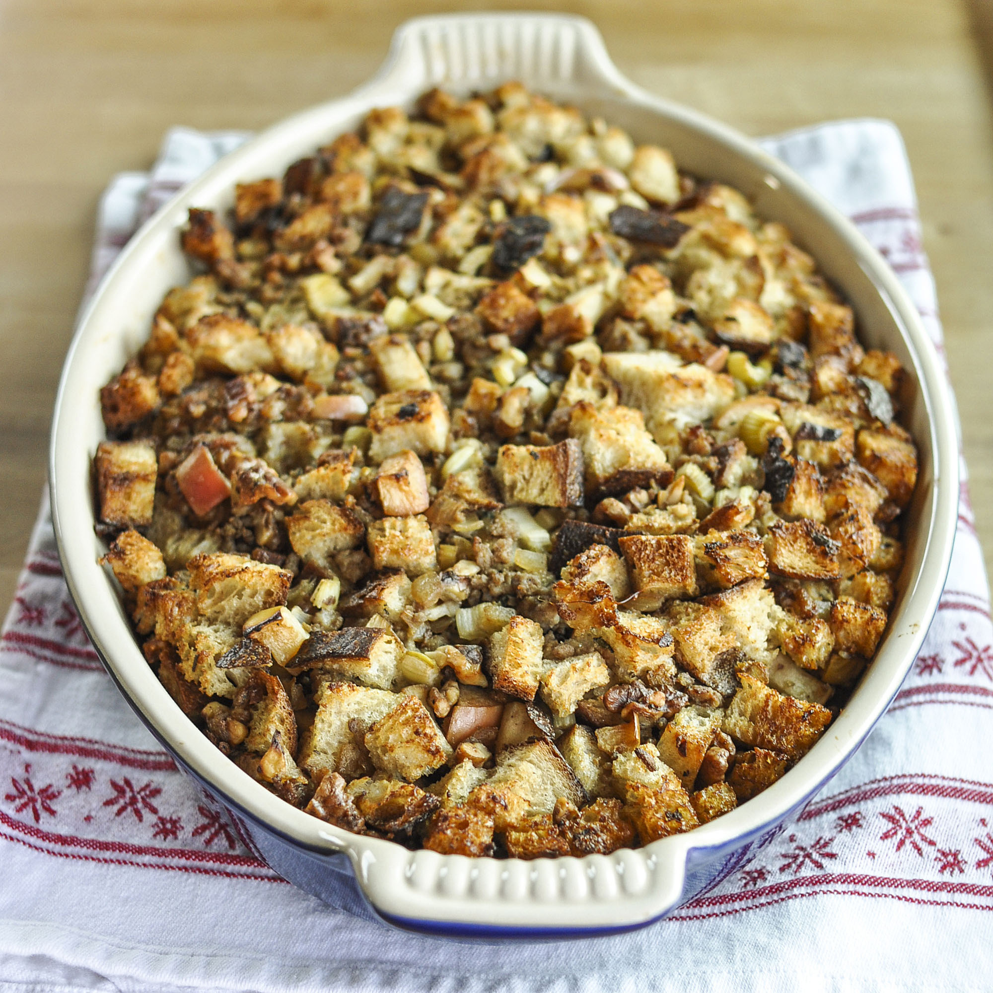THE KITCHN: How to make easy Thanksgiving stuffing