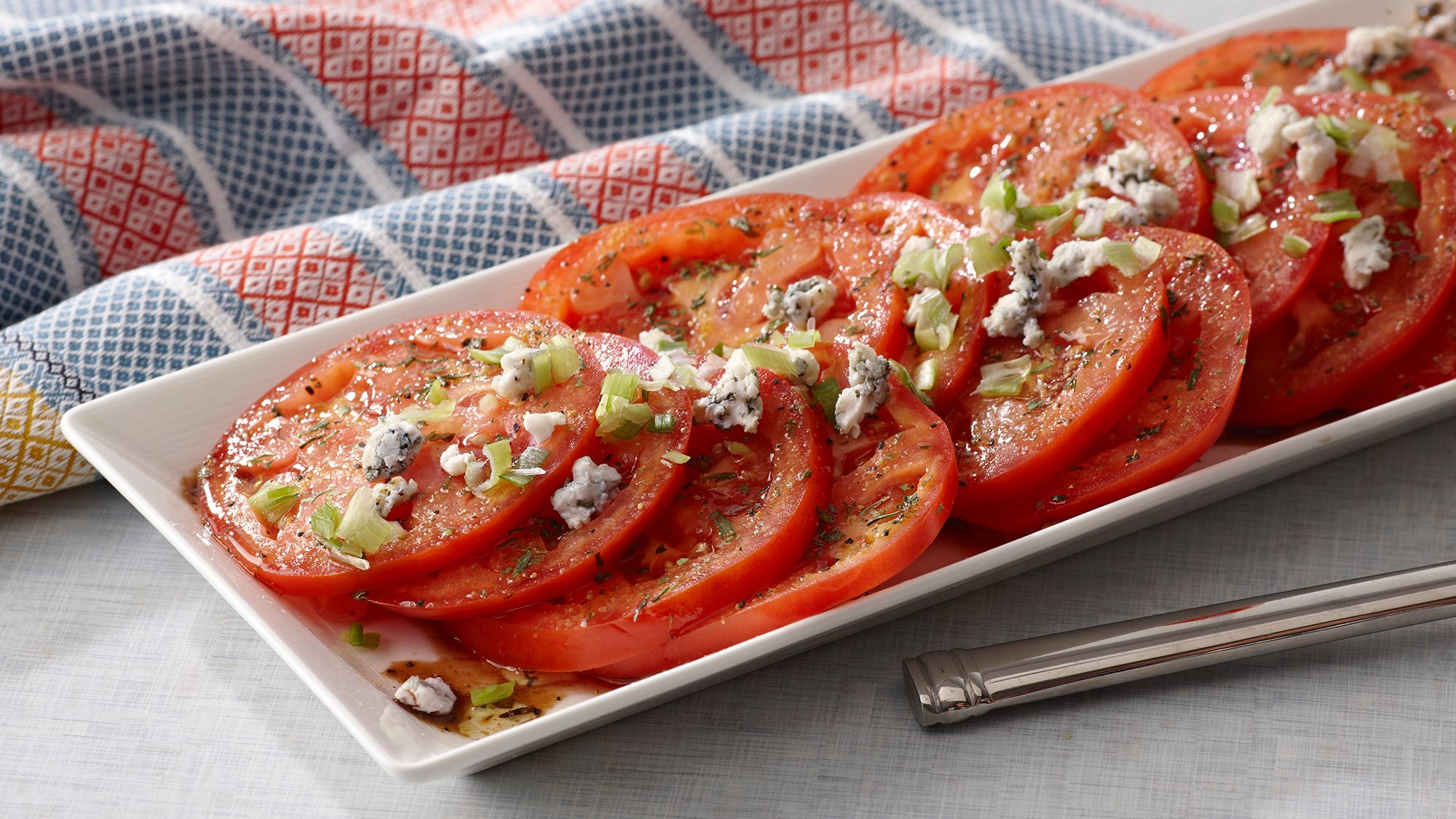 tomato-slices-with-blue-cheese-and-balsamic-vinegar.jpg