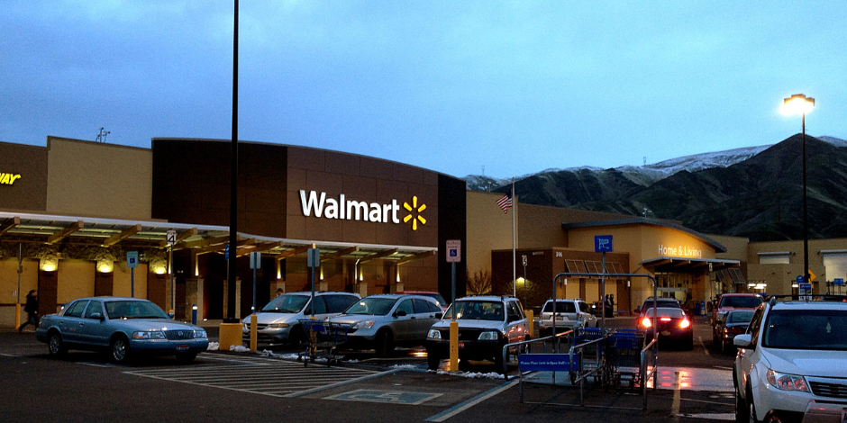 Why Some Investors Are Refusing to Buy Walmart Stock