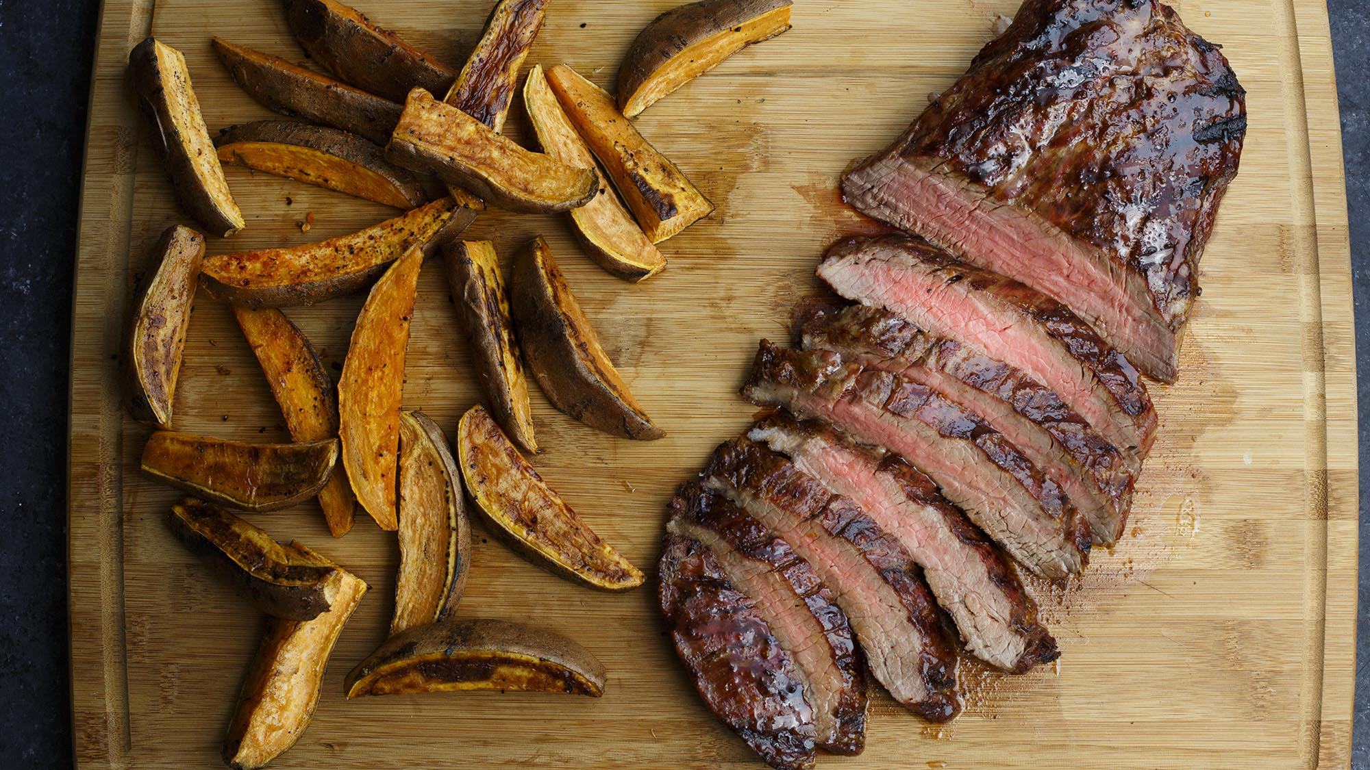 Sweet_and_Smoky_Grilled_Flank_Steak_2000x1125.jpg