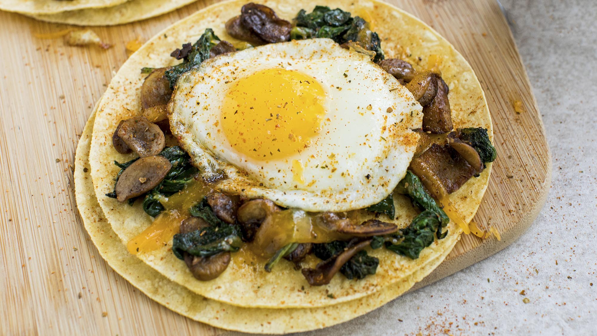 garden_herb_veggie_and_egg_breakfast_tacos_2000x1125.jpg