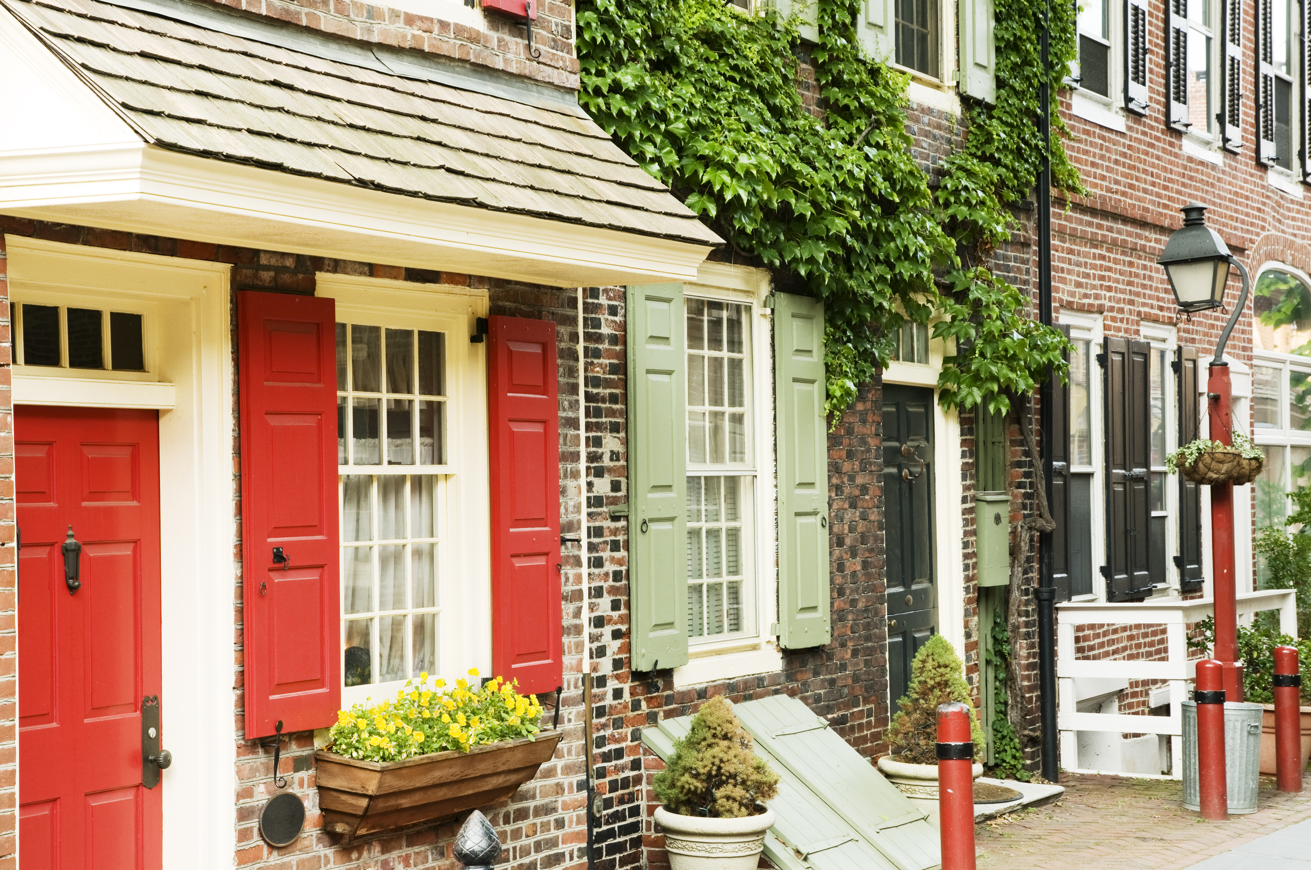 Historic Philadelphia street - Elfreth's Alley