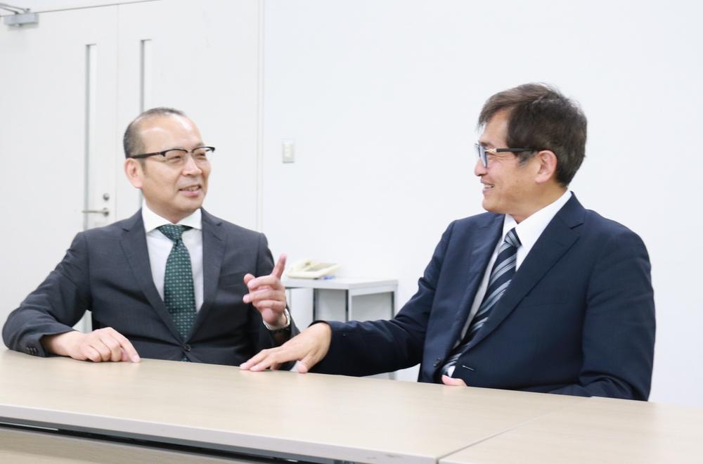 中村氏(左)と吉田氏(右)
