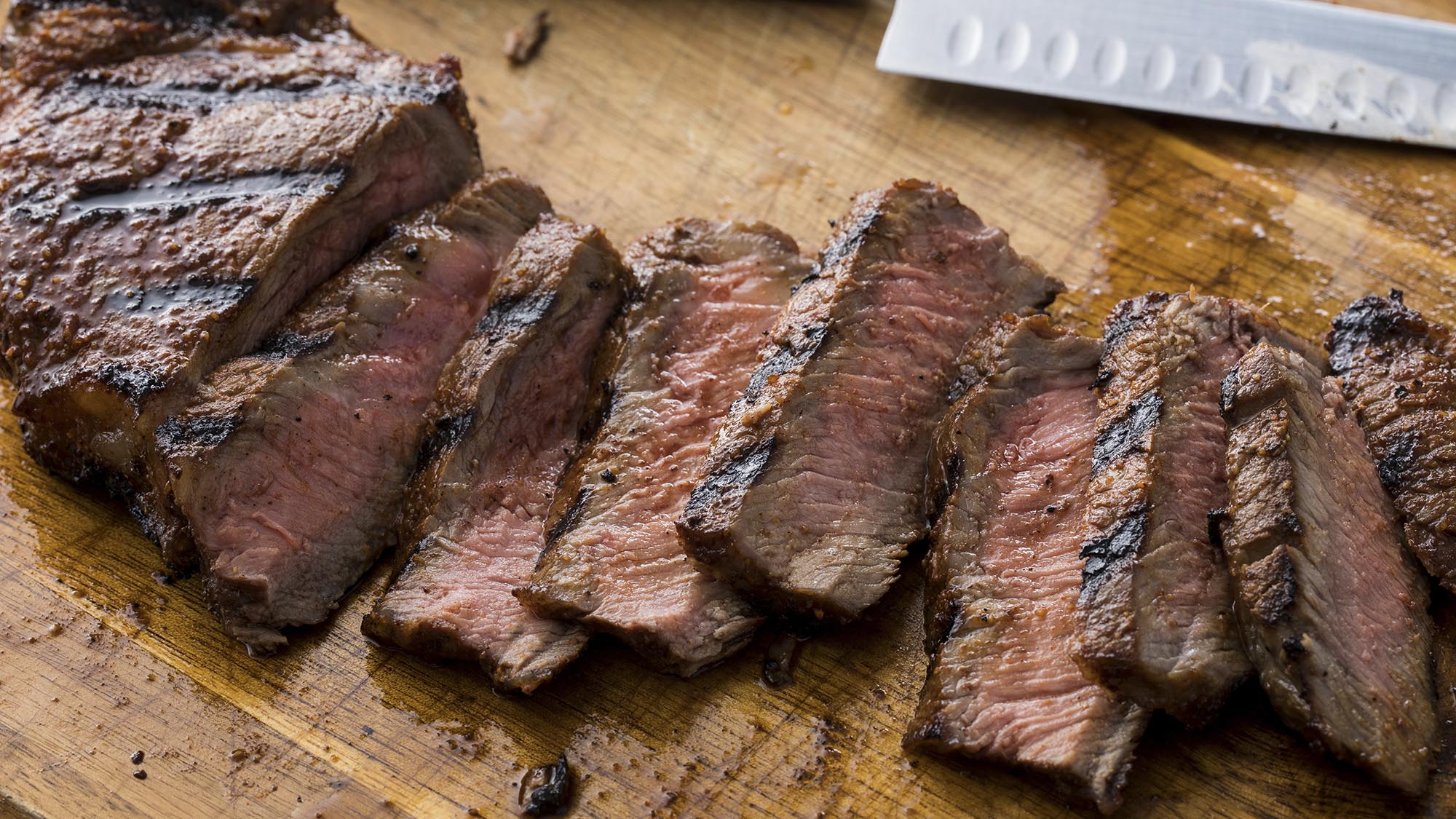 grilled_sweet_and_smoky_steak_2000x1125.jpg