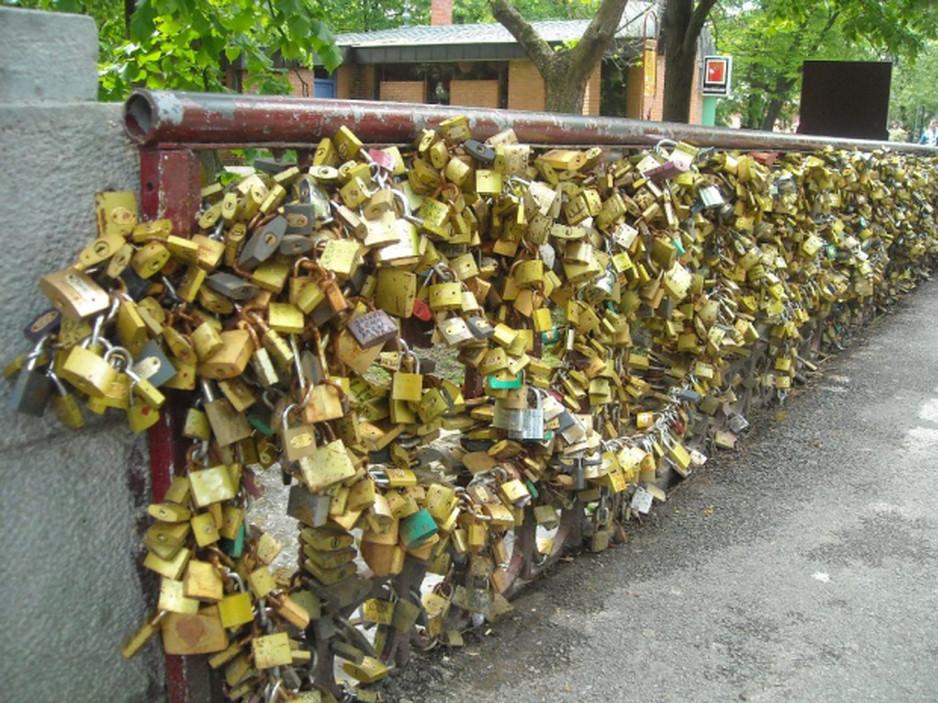 bridge-of-love1.jpg