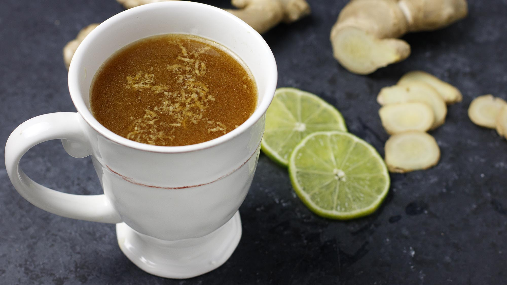 Turmeric_Ginger_Chicken_BoneBroth_2000x1125.jpg