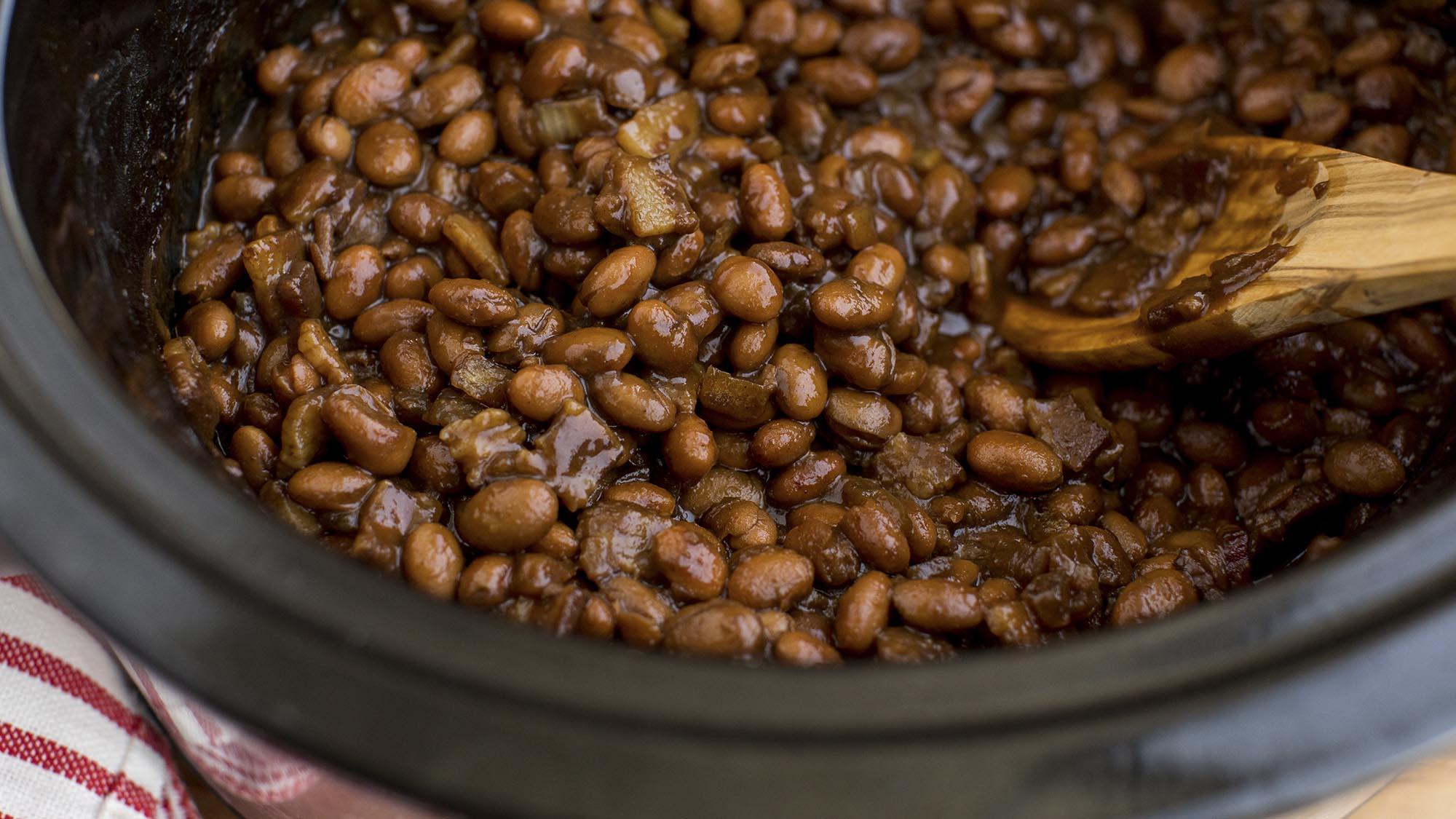 slow_cooker_baked_beans_2000x1125.jpg