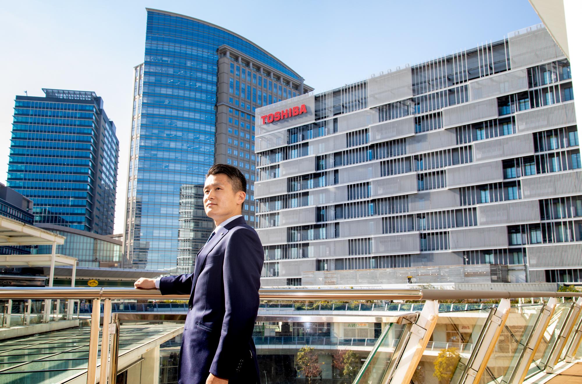 Kentaro Hino, Corporate Sales Department, Toshiba Lighting and Technology Corporation(4)