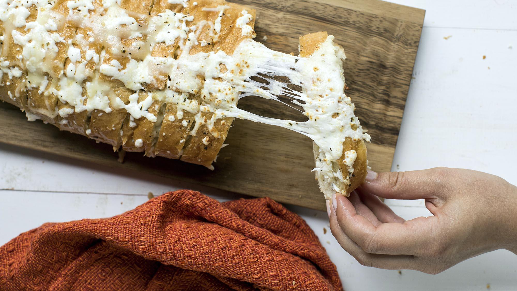 tuscan_garlic_bread_2000x1125.jpg