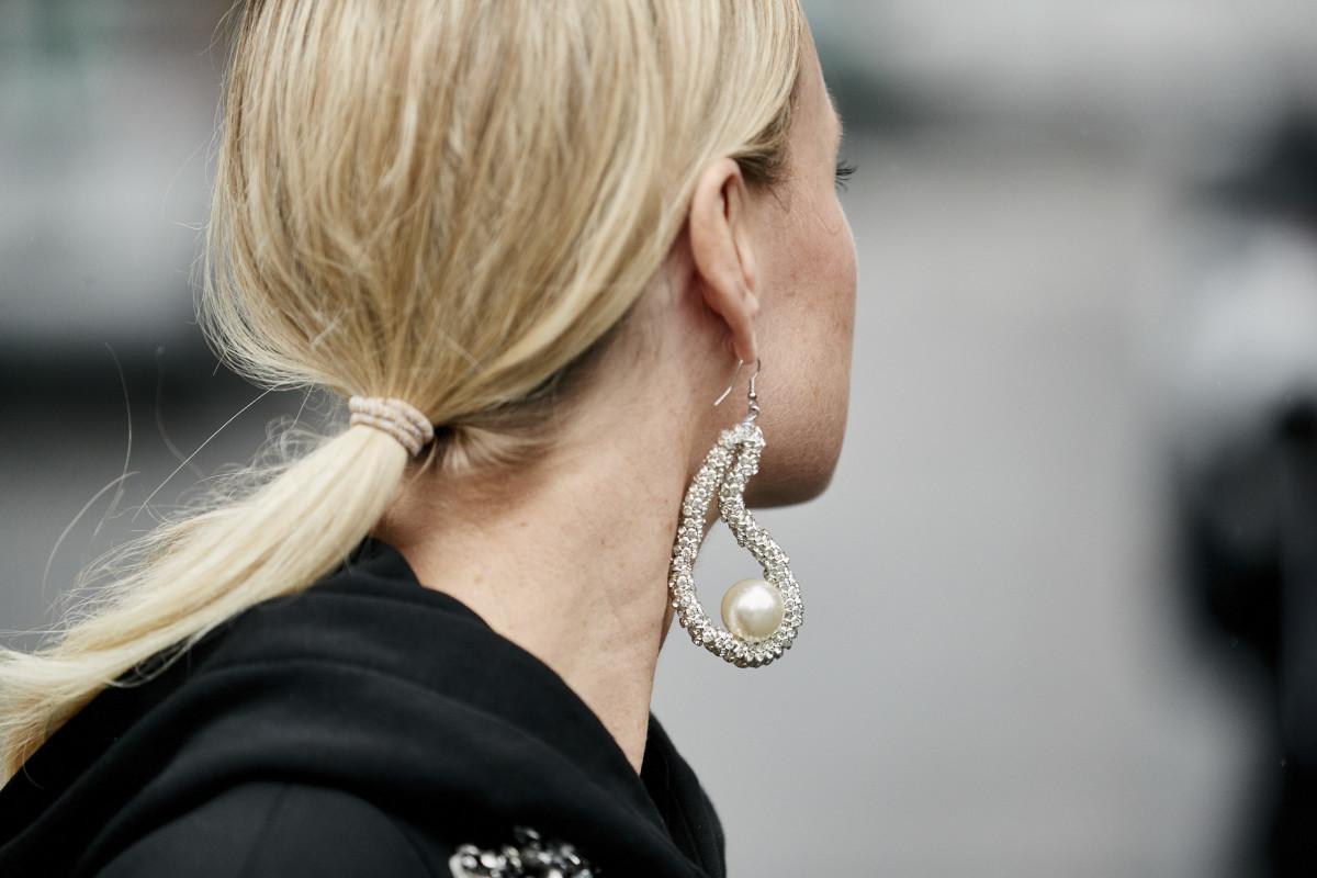 pearl-jewelry-ss20-ss-trends.jpg