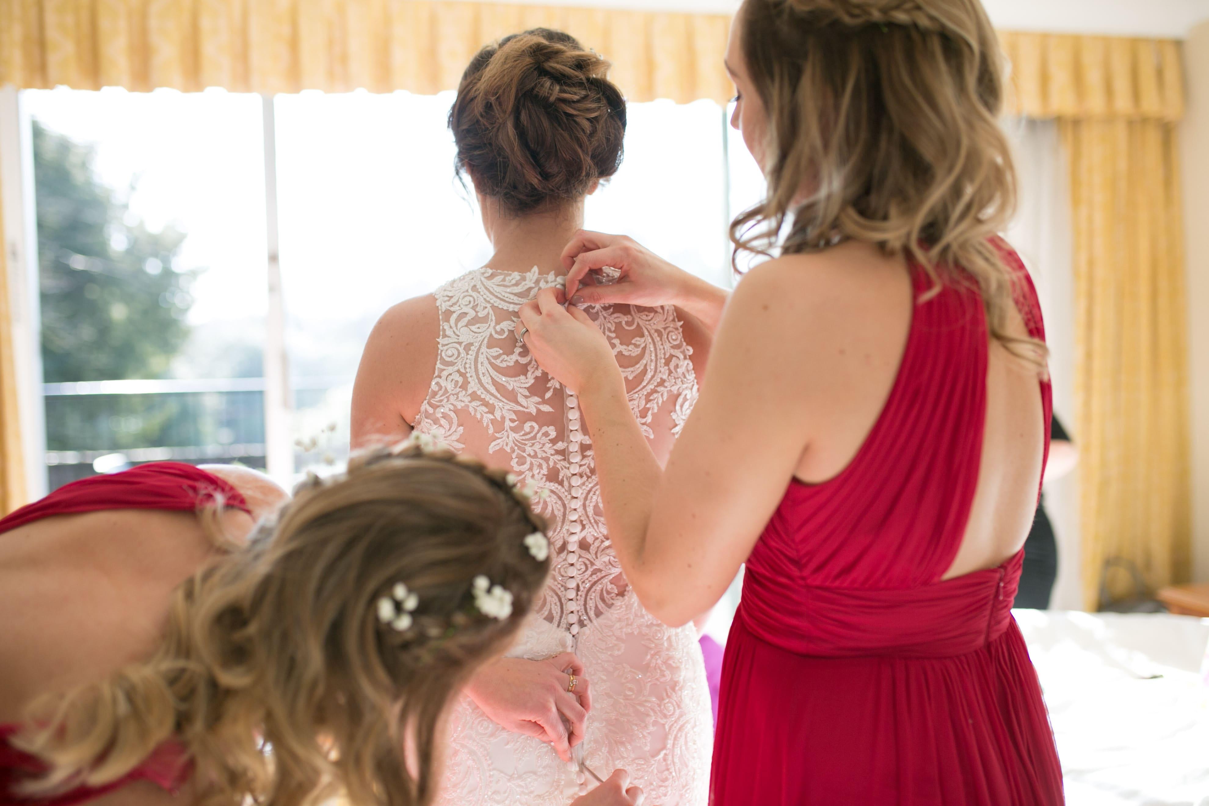 braidsmaids half up half down