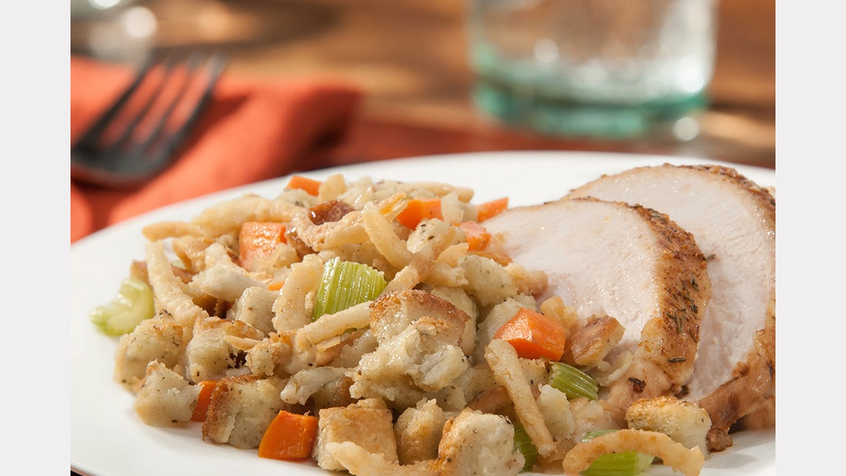 crunchy_holiday_stuffing_1200.jpg
