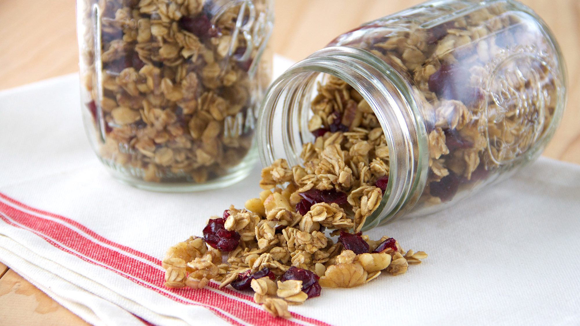 cranberry-orange-walnut-granola.jpg