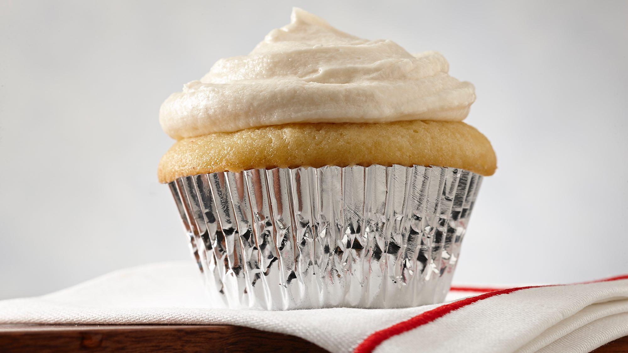 ultimate-vanilla-cupcakes.jpg