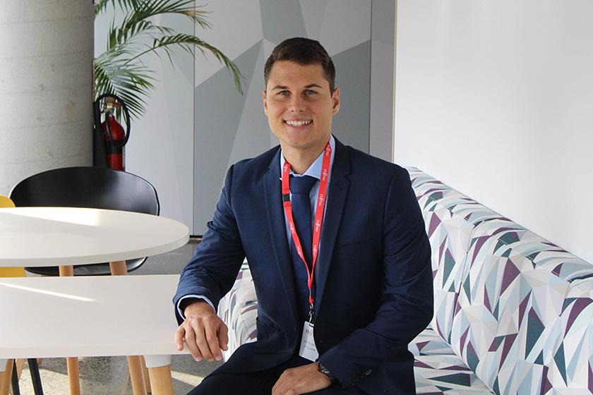 Photo : Billy Conditsis Graduate – Digital Business Group Sydney, Australia